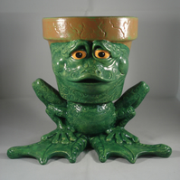 Ceramic Hand Painted Green Frog Toad Animal Figurine Flower Herb Plant Pot.