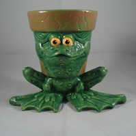 Ceramic Hand Painted Small Green Frog Animal Plant Flower Herb Pot Container.