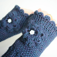 Crochet Mitts - Reserved listing for Smeapog