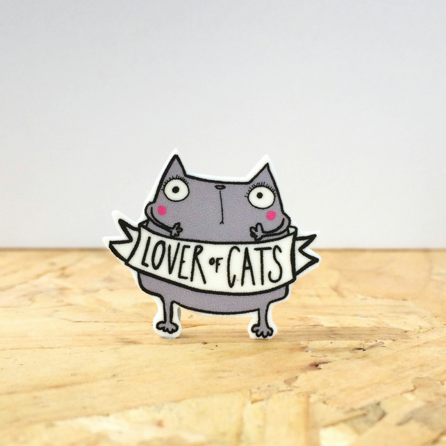 Lover of cats pin badge