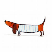 Sausage dog brooch