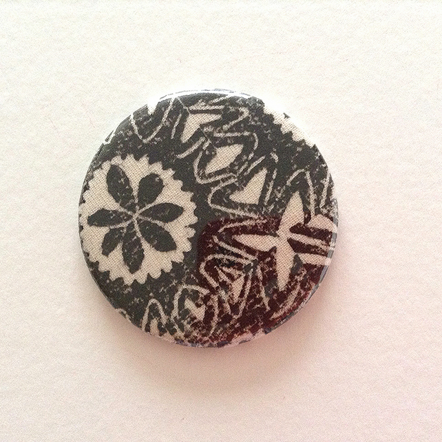 Fabric Covered Pocket Mirror - Black and White