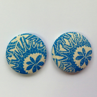 47mm Blue and White Flower Fridge Magnets