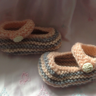 Knitted baby shoes, bootees in vintage grey and peach, crib shoes, shower