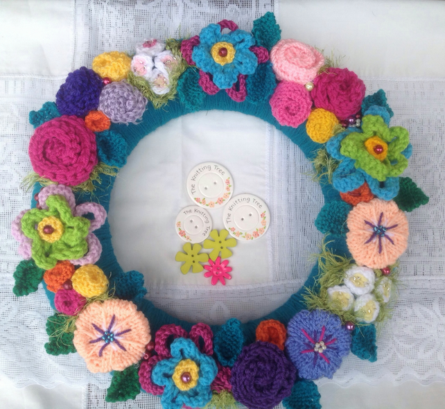 "Wreath, knitted flower wreath, door hanging, wall hanging ""Singapore"""