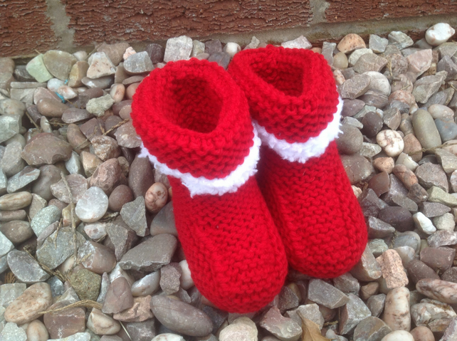 Christmas bootees,red knitted with fluffy cuff,new born baby shower,