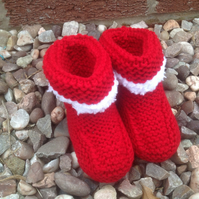 Baby bootees,red knitted with fluffy cuff,baby slippers, new born baby shower,