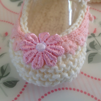 Hand knitted baby shoes, crib shoes , bootees cream,, shower , gift