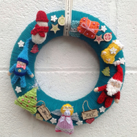 Knitted Christmas wreath, angel, Santa, snowman, elf, door hanging, wall, advent