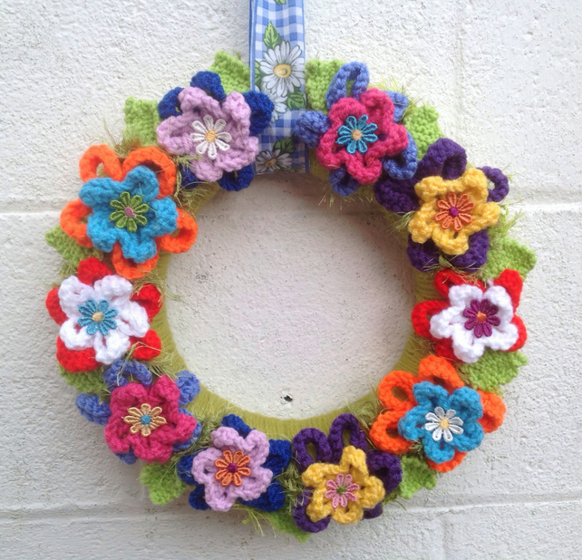 Easter wreath, spring  knitted  daisies, flowers Summer , spring