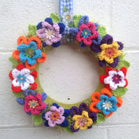 Christmas  wreath, spring  knitted  daisies, flowers Summer , spring