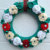 Wreath, knitted flowers in,Christmas, baubles, door hanging, advent kranz