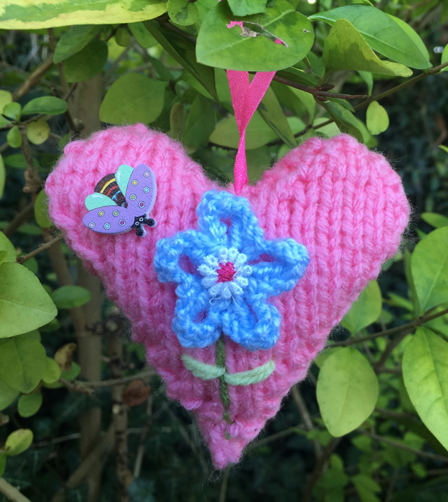 Knitted hanging heart, Mother's Day Valentine's Day,