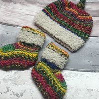 Booties and hat set, 0-3 months Multicolouredknitted, shower gift,unisex gift