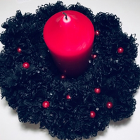 Knitted Christmas wreath, black, glitzy, table decoration, candle decoration