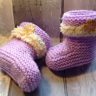 Knitted bootees, baby girl lilac, crib bootees, Easter gift, baby shower,