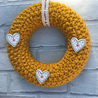 Knitted wreath, Christmas, cream or mustard