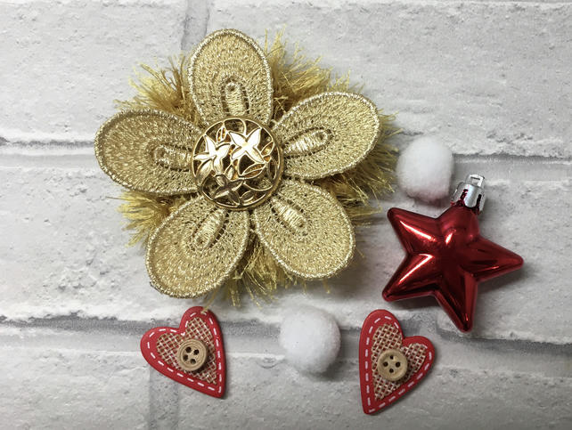 knitted Christmas brooch, gift