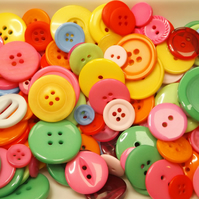 50g bag of mixed buttons, bright summer colours. Great for a variety of crafts