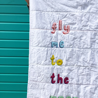 'Fly me to the moon' Applique Quilt