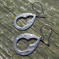 Antique Silver Arabian Style Teardop Hypoallergenic Titanium Earrings