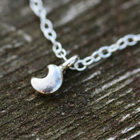 925 Sterling Silver Tiny Crescent Moon Ankle Bracelet