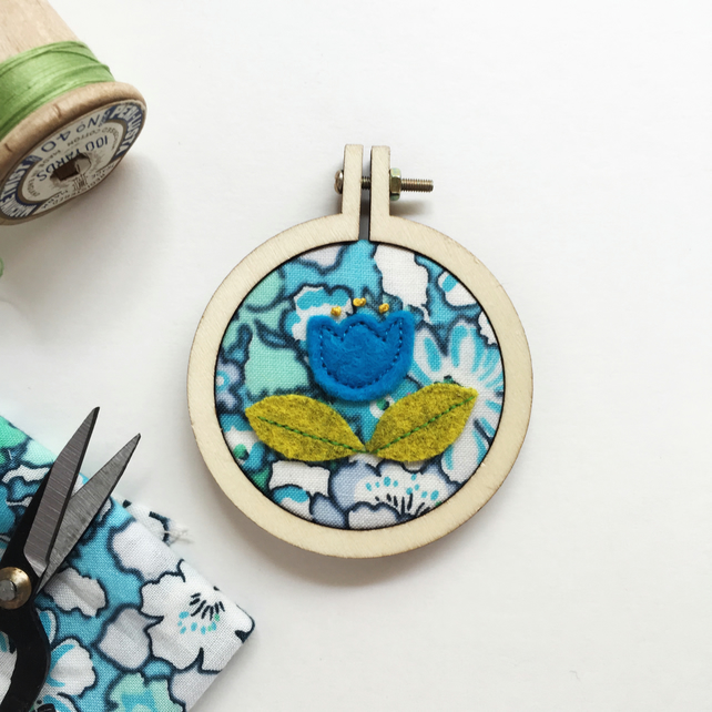 mini scandi flower hoop art - mini embroidery hoop art - turquoise floral hoop
