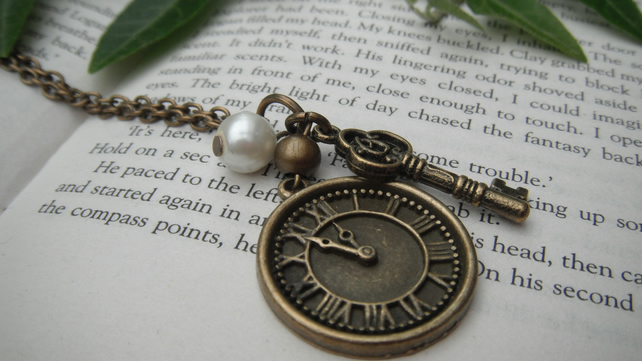 Vintage Style Watchface Necklace FREE POST