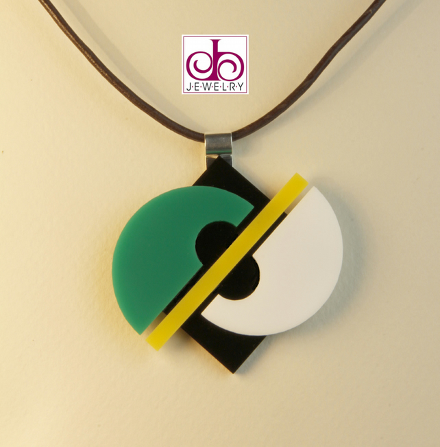 RETRO 1930's ACRYLIC NECKLACE - DESIGN 0005