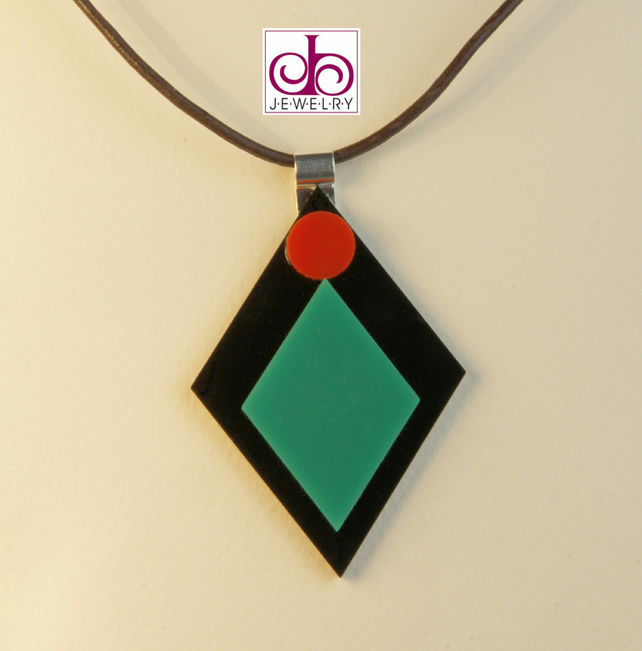 RETRO 1930's ACRYLIC NECKLACE - DESIGN 0009