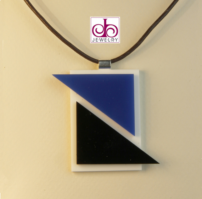 RETRO 1930's ACRYLIC NECKLACE - DESIGN 0015