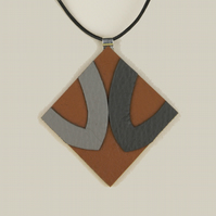10 - DIAMOND SHAPED LEATHER PENDANT