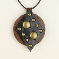 25 - DIAMOND SHAPED LEATHER PENDANT
