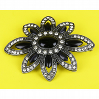 3- FLOWER SHAPED BELT BUCKLE