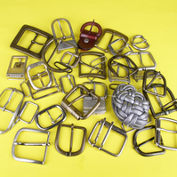 10-SELECTION OF 30 BELT BUCKLES