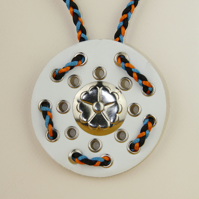 WHITE CIRCULAR LEATHER PENDANT