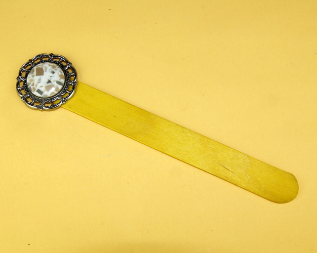 4 - YELLOW LOLLYPOP STICK BOOKMARK