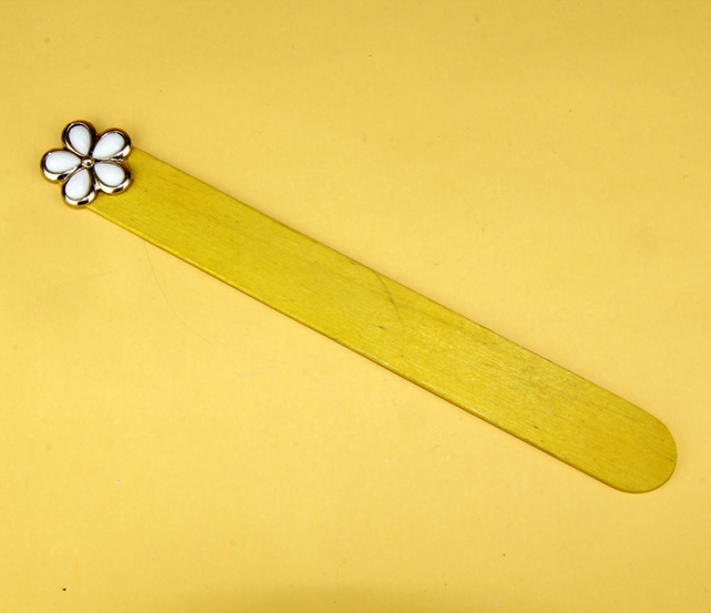 6 - YELLOW LOLLYPOP STICK BOOKMARK