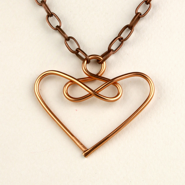 W005 COPPER WIRE HEART NECKLACE