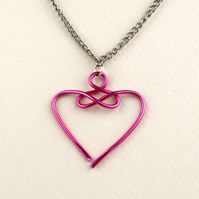 W016 SMALL HEART NECKLACE
