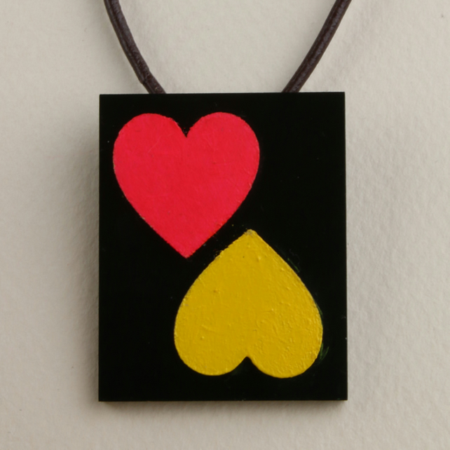 ACRYLIC & WOOD 2 HEART OBLONG PENDANT
