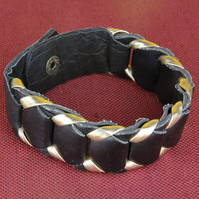 36 - BLACK AND GOLD SECTIONAL BRACELET