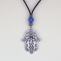 EASTERN HAND PENDANT NECKLACE