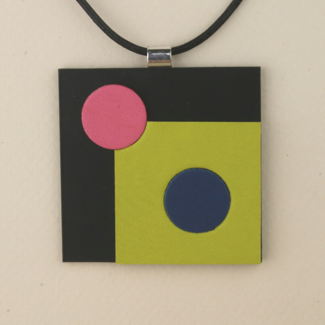 S006 SQUARE LEATHER PENDANT