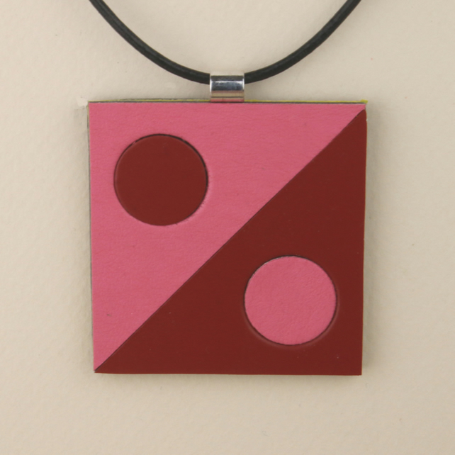 S007 SQUARE LEATHER PENDANT
