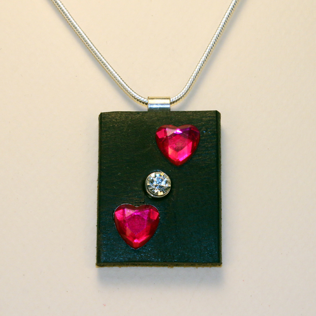 HEARTS LEATHER PENDANT