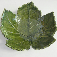 Ceramic leaf bowl - medium