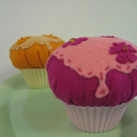 CUSTOM ORDER FOR TRUECOLORS Felt Cupcake