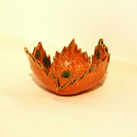 Ceramic leaf bowl - small
