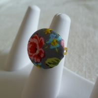 Vintage Floral Button Ring